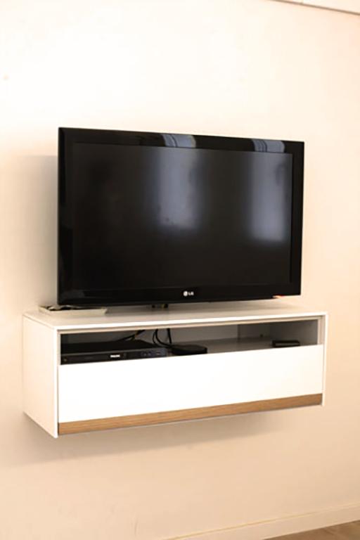 Mueble tv pared mueble lcdmesa de tvvajillero casoria led for Mueble con soporte para tv